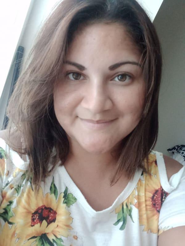 Entrevistamos a la autora Stephanie Suazo-Galvez
